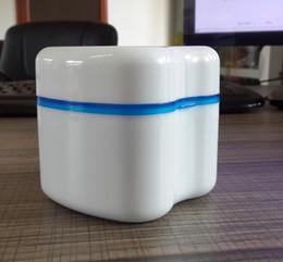Протез коробка фиксатор Invisalign ванна с корзиной стоматологические ложные зубы ящики для хранения синий / зеленый / розовый цвета