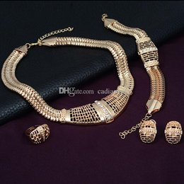 $enCountryForm.capitalKeyWord Canada - Popular 4 PCS Jewelry Hollow Out Alloy Rhinestone Necklace Ear Studs Bracelet Ring Set Syeer C00589 FASH