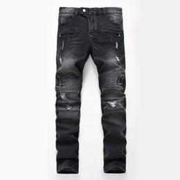 Pantalones Causales Baratos-Hots Men Distressed Ripped Jeans Diseñador de moda Straight Motocicleta Biker Causal Denim Pants Streetwear Style Runway Rock Star Jeans Cool