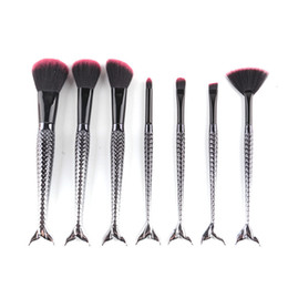 Barato Escovas De Maquiagem De Metal Preto-Black Mermaid Brush Spiral Makeup Brush Set 7pcs / set Cream Face Power Brushes Multipurpose Beauty Cosmetic Brushes OPP BAG 2805105