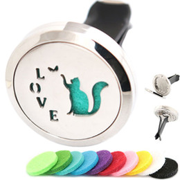 $enCountryForm.capitalKeyWord NZ - Cat Love Play Aromatherapy Essential Oil surgical 30mm Stainless Steel Pendant Perfume Diffuser Car Locket Include 50pcs Felt Pads