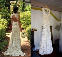 China 2017 Country Style Full Lace Wedding Dresses Pluging V-neck Sleeveless Keyhole Back Mermaid Vintage Bridal Gowns Vestios Custom Made supplier satin keyhole back wedding dress suppliers