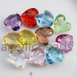 50 STÜCKE Fabrik Preis Klare Acryl Facettierte Herzförmige Kristall Perlen Kunststoff Spacer Perlen für Kind Schmuck Halskette Armbänder DIY