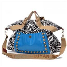 $enCountryForm.capitalKeyWord Canada - High - quality ladies Totes classic hot ladies canvas handbags high - quality fashion rivet package printing package free shipping