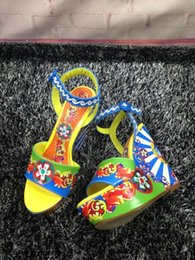 Band Paint Canada - Painted Printing Blue Wedges Sandals for women Hot Brand New 2017 Buckle Genuine leather Summer Gladiators Luxury Designers Pumps Ladies
