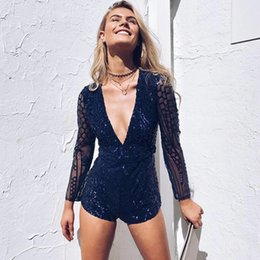 Robes Courtes À Manches Courtes Pas Cher-Sparkly Sequins brodé Short Women Rompers Sexy V Collar Back Long Sleeves Robes de soirée Siamese Pants 2017 Le plus récent FS1976