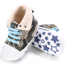 wholesale canvas high shoes Canada - Toddler First Walker Baby Shoes Non-slip Casual Canvas Baby Soft Soled High Cute Stars Shoes Six Colors