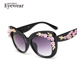Discount sunglasses flower design - Wholesale-BOUTIQUE New Luxury Queen cat eye Sunglasses Women Rose Flower Vintage Girls Oculos De Sol oversize brand desi