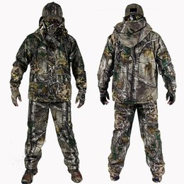 China 2017 New Arrival Bionic Camouflage Hunting 4Pcs set Jacket +Pant +Gloves+Cap Suspenders Suitable for Spring Autumn Winter suppliers
