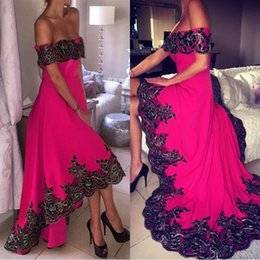 Robes Élégantes Salut Bas Pas Cher-Elegant Fuchsia High Low Prom Dresses A Line Off Shoulders 3D Flora Appliques Satin Long Robes de soirée Robes de tapis rouge