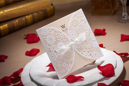 Discount laser cut birthday cards - Personalized Laser cut Folded wedding invitations cards Hollow Flora wedding cards with Envelope Sealed Card 2017 New We
