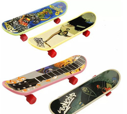 Finger Skateboard Mini Canada - High Quality Cute Party Favor Kids Children Mini Finger Board Toys Gift for children educational toy WD416