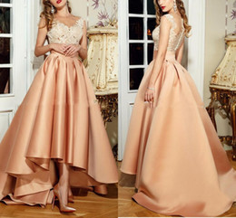 Wholesale Hi Lo Champagne Dress Evening Wear Sheer Neck Lace Top Prom Dresses Illusion Back Floor Length Formal Evening Gowns Made In China