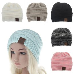 Barato Beanies Beanies De Inverno Crochet-Baby Boys Girls Winter Warm CC Label Chapéus de malha Crochet Fashion Beanies Crianças Outdoor Wool Caps