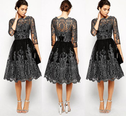 Robe De Retour En Dentelle Plus Taille Pas Cher-Cheap Little Black Homecoming Robes 3/4 Sleeve Lace Appliqued Sexy Robes de soirée formelle Plus Size Longueur au genou Robe de bal