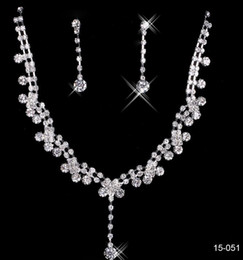 $enCountryForm.capitalKeyWord Canada - 2019 New Jewelry Necklace Earring Set Cheap Wedding Bridal Prom Cocktail Evening Dresses Rhinestone 15-051 In Stock Free Shipping