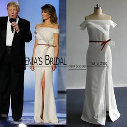 Robes D'occasions De Célébrités Pas Cher-Melania Trump Ball Dresses 2017 Special Occasion Celebrity Images réelles Ivory With Ruffles and Split Sheath Pageant Gowns