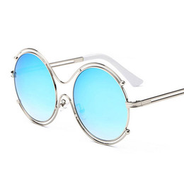 de65b9dfa731e 2018 good quality hollow out Fashion Sunglasses Women New Design Female  Retro Lens glasses women round metal mirror sun glasses wholesale