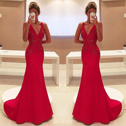 hot sexy girls red dress Canada - Hot Sale Unique Red Prom Dress V-Neckline Appliques Sleeveless Girls Formal Evening Party Gown Custom Made Plus Size