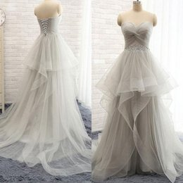 Barato Vestidos Cinza Prateado-Stunning Prom Dressess Ruched Tulle Sweetheart sem mangas de cristais Silver Grey Prom Dress Corset Lace up Back Evening Party Vestidos Trem