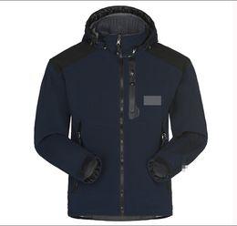 Al por mayor-Hombres Chaqueta Softshell impermeable y transpirable Hombres al aire libre abrigos deportivos mujeres Senderismo de esquí a prueba de viento invierno Outwear Soft Shell chaqueta