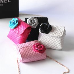Wholesale Kids Shoulder Bag Canada - Kids Flower Purses Bag Cute Princess Baby Girls Sweet Lovely Clutch Messenger PU Leather Crossbody Bags 2017 Children Shoulder Bag B851