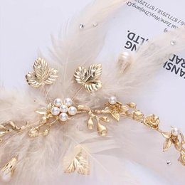 Barato Headpieces De Moda Por Atacado-Frete Grátis Hairpiece New Fashion Baroque Style Feather Bridal headband Headpieces Handmade Party For Brides Wholesale