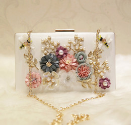 Hard bags for wedding online shopping - Fashion Pearls Bridal Hand Bags With Flowers Dragonfly Clutches For Wedding Jewelry Prom Evening Party Bag CM CM
