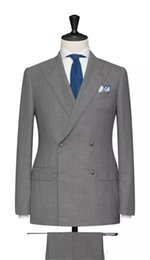 Costumes De Mariage Légers Pas Cher-Handsome Classic Light Grey Costumes pour hommes Smoking pour mariage Deux pièces Groom Costumes de mariée Custom Made Groomsmen Costumes Veste + Pantalons