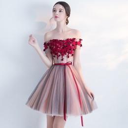Vente en gros robes de fiancée cortos robes de cocktail partie élégantes femmes habiller l'épaule court mini robes de soirée de bal en dentelle de bal