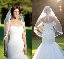 Discount wedding veils styles lace 2018 wedding veils styles 2018 wedding veils styles lace short wedding veil appliques lace tulle bridal veils white ivory scallop junglespirit Images