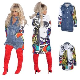 Chaqueta Botón Casual Baratos-Chaqueta de mezclilla de manga larga de mujer 2017 Moda de primavera casual suelta impresa empalme Pocket Button Turndown Collar Denim largo chaqueta