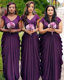 Barato Saia Roxa Mais Tamanho-Custom Made Purple Plus Size Bridesmaids Dresses Modest V Neck Capped Sleeves Draping A Line Skirt Style Country 2017 Wedding Dresses