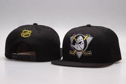 China 2018 NHL Mighty Hockey Snapback Hats Anaheim Ducks bone cap Flat Fashion nhl Hats sports Cheap mens & women baseball caps supplier mighty ducks hats suppliers