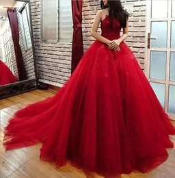 Barato Rendas Vestido Top Tapete Vermelho-Formal Long Red Tulle Dresses Evening Wear 2017 Lace Beaded Top Sheer Neckline Sexy Open Back Custom Made Prom Red Carpet Celebrity Gowns