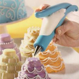 Pastry Syringe Decorator Canada - Nozzles Set Tool Dessert Decorators Cake Decorating Icing Piping Cream Syringe Tips Muffin Cake Pastry Pen Bag