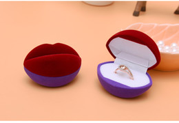 red plastic lips Canada - [Simple Seven] Cute Red Purple Lips Ring Plastic Flocking Jewelry Box Earring Studs Case Jewelry Display for Lover
