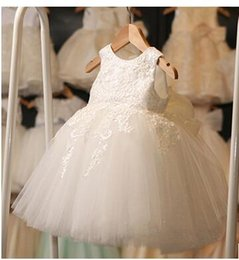 $enCountryForm.capitalKeyWord NZ - Elegant White Cupcake Toddler Pageant Dresses Halter Beaded Princess Gown First Holy Communion Short Flower Girl Gowns for Wedding Party
