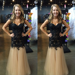 Encaje Negro Barato Baratos-Gorgeous Negro Lace Champagne Tulle Long Formal Prom Dresses Beaded Embellecido Appliques 2017 Cheap Evening Party Gowns por encargo
