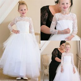 Prix ​​de La Robe Des Enfants Pas Cher-Adorable White Lace Flower Girl Robe manches longues Longueur cheville Toddler Pageant Robes Jewel Neckline Graduation Gown Kids Cheap Price