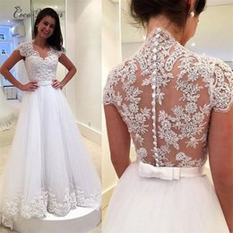 Barato Vestido Curto Nupcial Com Pérolas De Época-C.V Short Sleeve V Neck Uma linha Elegant Bohemian Lace Wedding Dresses Illusion Back Lace Appliques Beaded Tulle Bridal Wedding Wown W0028