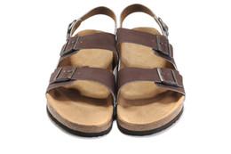 ac288cf96f962 Nova Marca Famosa do Arizona Homens Sandálias Planas Mulheres Sapatos  Casuais Masculino de Três Fivela de Salto Alto Chinelos de Couro Genuíno de  Verão da ...