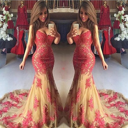 Belle Robe Rouge Soirée Pas Cher-Beautiful Red Appliques en dentelle Robes de bal Mermaid Sweetheart Spaghetti Straps Sexy Backless Long Evening Party Robes 2017