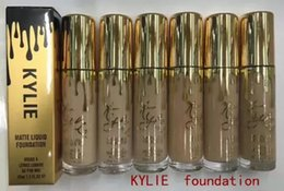 Poudre D'or Pour Le Visage Pas Cher-Nouveau Kylie liquid foundation gold birthday édition 35ml Maquillage Face Powder kylie Fondation matte matricielle 6 couleurs