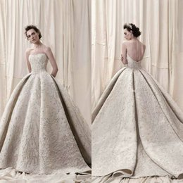 Train De Mariage En Paillettes Pas Cher-Arab Dubai Lace Ball Gown Robes de mariée Full Broderie Perles Sequins Luxe 2018 Robe de mariée Train Sweetheart Vintage Robes de mariée