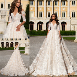 Discount modest half sleeve lace wedding dress 2017 Modest Half Sleeves A Line Wedding Dresses Bridal Gowns Sheer V-neck Lace Custom Made Wedding Dress