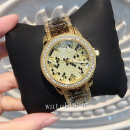 Leopard saLe online shopping - 2017 Fashion Women sexy Wristwatch Gold color Leopard watch Stainless steel Lady Watches Big Dial brand watch hot sale table