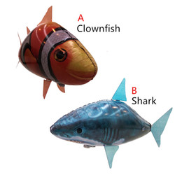 Remote Control Air Flying Shark Canada - New Flying Fish Remote Control Toys Air Swimmer Inflatable Plaything Clownfish Big Shark Toys Children Gifts NC077