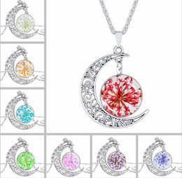 $enCountryForm.capitalKeyWord NZ - 2017 New Fashion Women Lady Girl Horse Hollow Moon Time gem Necklace FLOWER Glass Pendant Necklace Retro Silver Jewelry