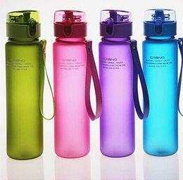 $enCountryForm.capitalKeyWord NZ - High Quality 550mL Leak Proof and Dust Free Lid Bicycle Camping Sport Plastic Drink Water Bottle Free Water Bottle LZ0163